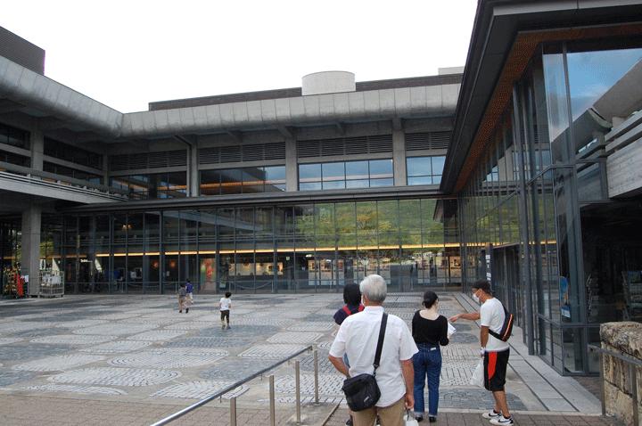 ロームシアター京都 ローム・スクエア